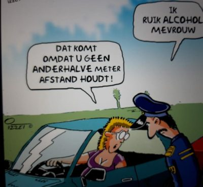 Translation: cop: i smell alchohol mam woman: its because you dont keep your 6 feet distance!